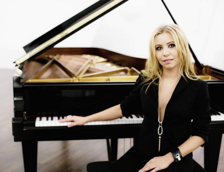"Natalia Posnova – ""QUEEN Rhapsody"""