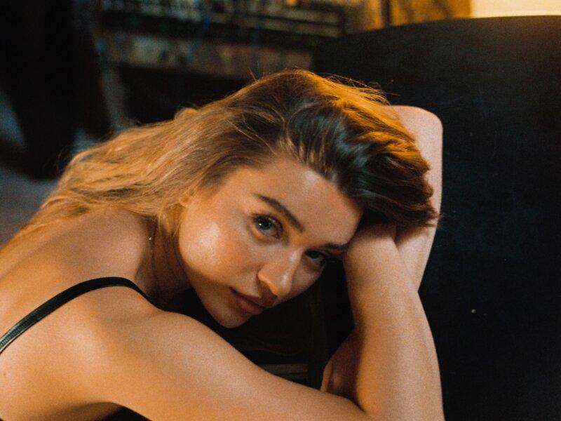 "Polina Vita –   ""Never You"" (Single + offizielles Video)"