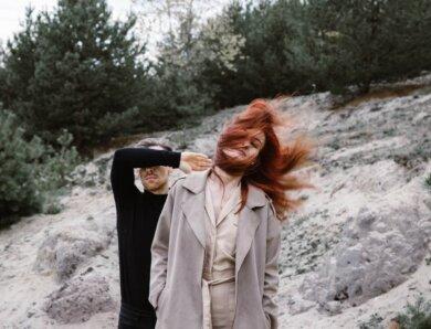 """I Want Poetry – das Debütalbum """"Human Touch"""" ist ein Werk voller  Mystik und Atmosphäre"""