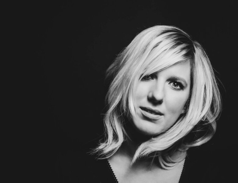 "Claudia Koreck – ""Ein Kompliment"" (Single – Electrola/Universal Music)"