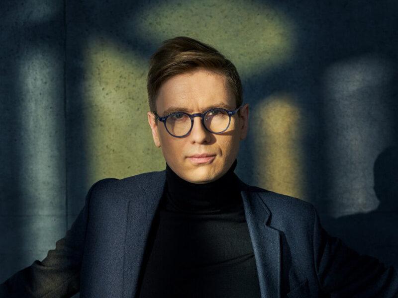 "Víkingur Ólafsson – ""Mozart & Contemporaries"" (+ offizielles Video)"