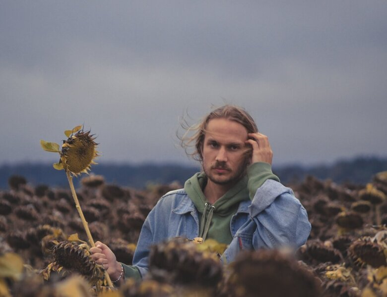 "Bartleby Delicate – ""Plastic Flowers"" (Single – Listenrecords)"