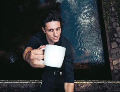 """Alexander Eder – """"Kaffee"""" (Single + offizielles Video)"""