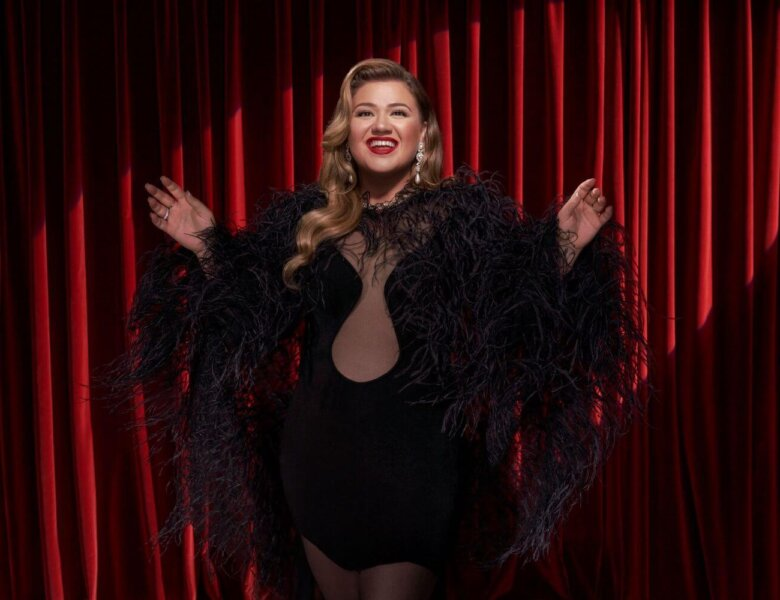 """Kelly Clarkson – """"When Christmas Comes Around …"""" (Warner Music)"""